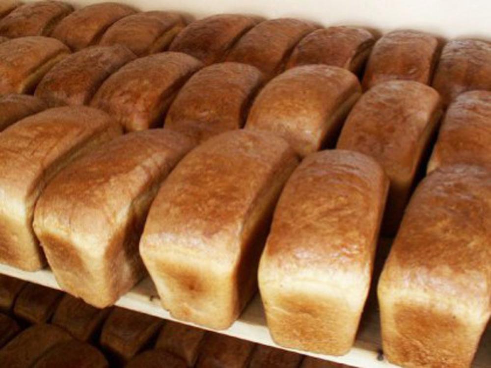 Камышане сообщают в соцсетях, что хлеб в магазины выгружают, «поваляв» его  по земле