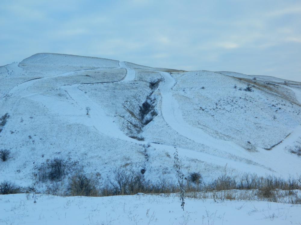 В Ельшанке под Камышином открылся горнолыжный склон, но работает он «по погоде»