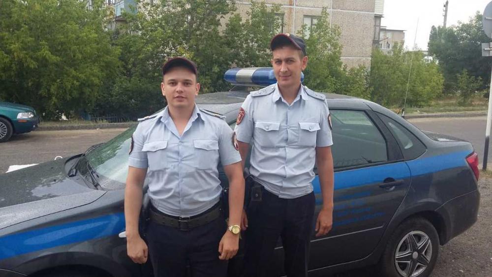 В Камышине росгвардейцы задержали негодяя, вытащившего из женской сумки мобильник за 9 тысяч рублей
