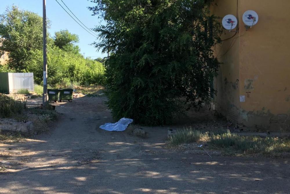 Шок: в Камышине мусоровоз задавил насмерть 32-летнюю женщину