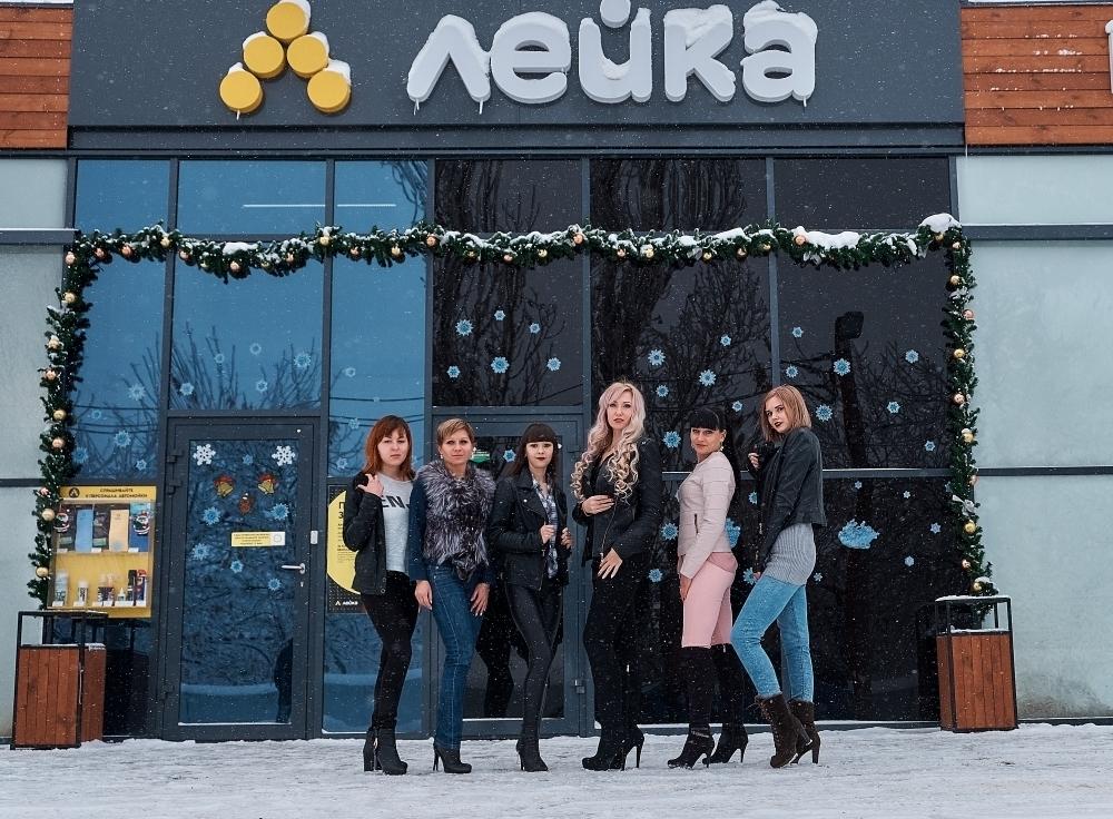 Участницы конкурса «Мисс Снегурочка» провели фотосессию у генерального спонсора проекта - в «Сети умных автомоек «Лейка» в Камышине