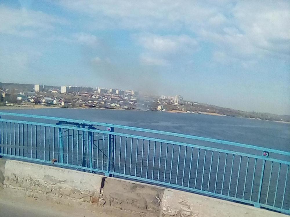 Над зданием администрации Камышина поднялся в полнеба столб дыма