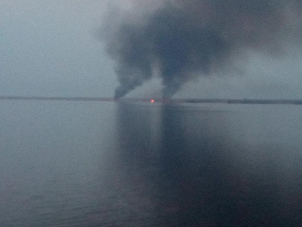 Камышанам пришлось дышать гарью, распространившейся от пожара с левого берега Волги