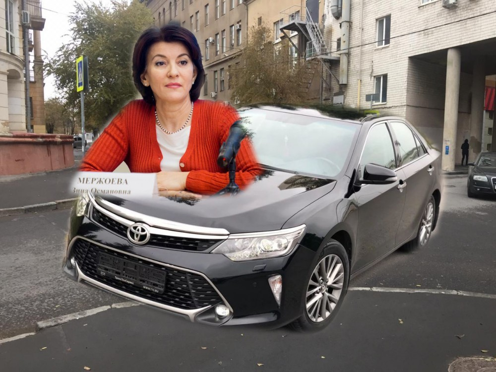 Иномарка замгубернатора Волгоградской области Зины Мержоевой снесла три автомобиля, чиновница попала в больницу, - «Блокнот Волгограда»