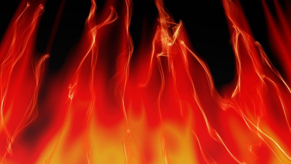 В Камышине огонь из-за короткого замыкания испепелил «Ауди»
