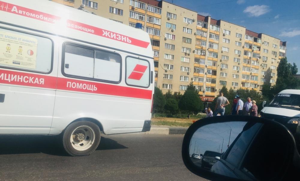 Стало известно, что случилось с пассажиром камышинской маршрутки, которого медики осматривали прямо на обочине Бородинского моста