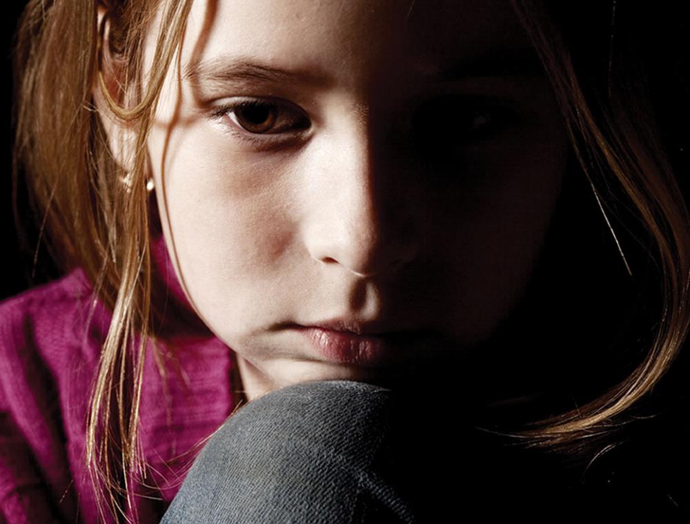 «Жгучий красавец» отвел 12-летнюю девочку в тихий двор и пустился в разврат