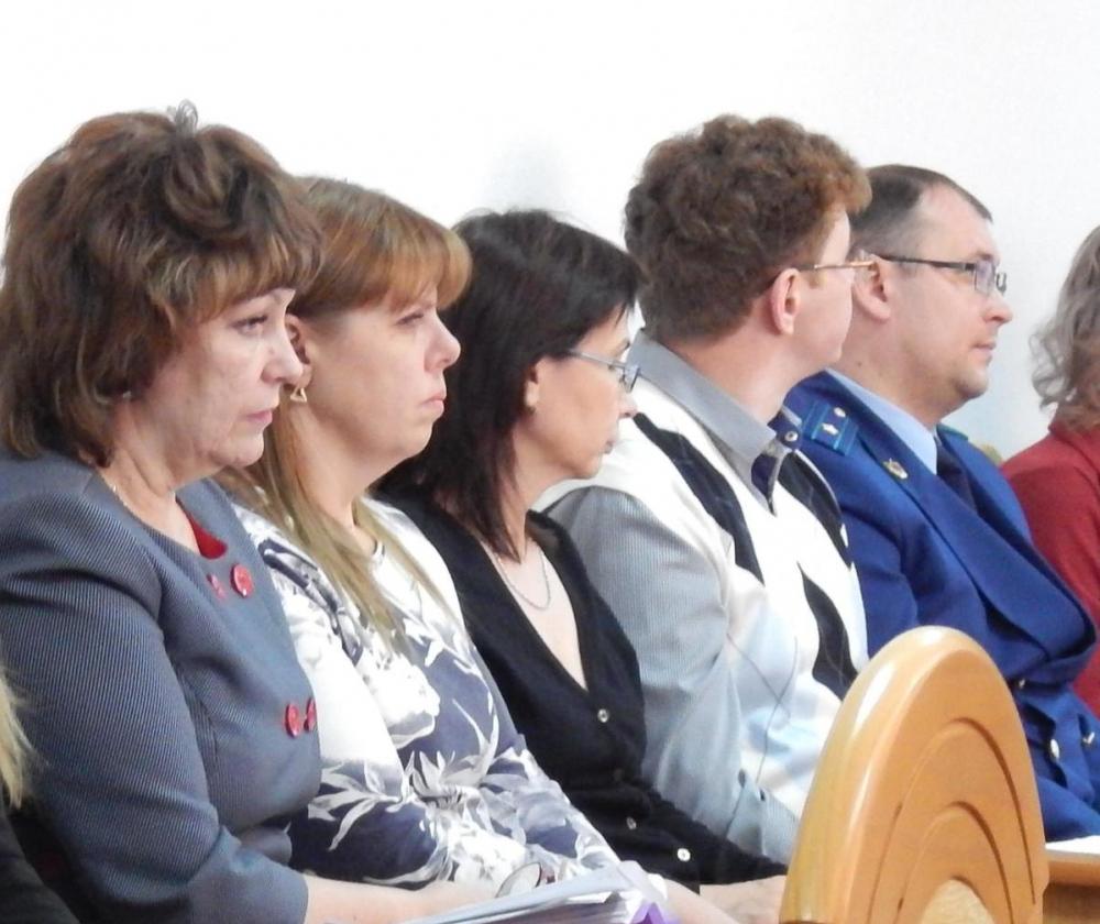 Начальник финуправления мэрии Елена Громова отшутилась в ответ на вопрос, почему область верстает бюджет с профицитом, а Камышин с дефицитом