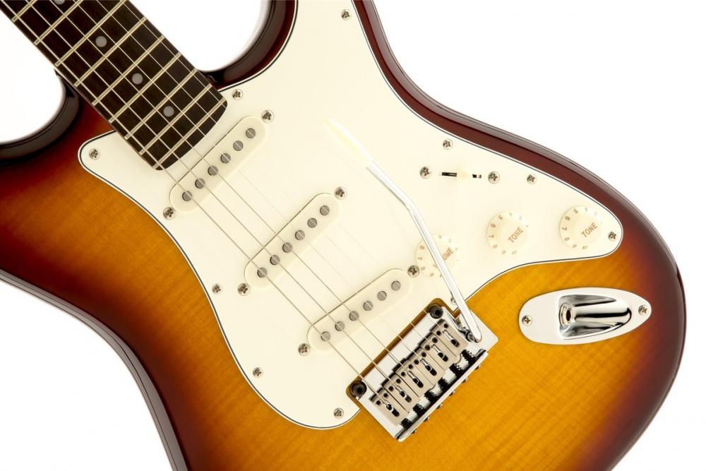 Оригинал из Камышина денег на алименты не находил, но гитару из-под ареста приставами выкупил