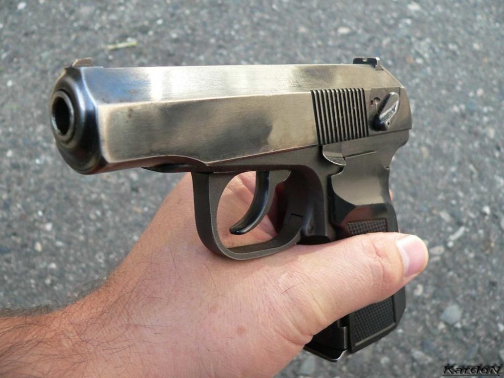 Пенсионер нашел за городом мешок с оружием и пополнил им собственный арсенал