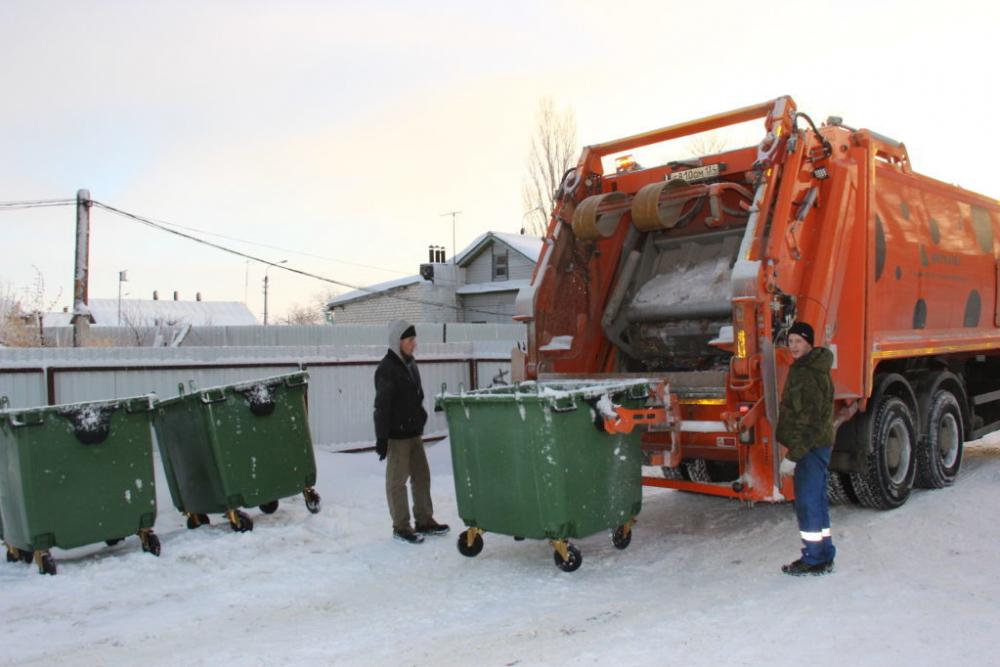 В администрации Камышина утверждают, что большинство жителей частного сектора хочет выбрасывать отходы в мусоровоз, а не в контейнеры