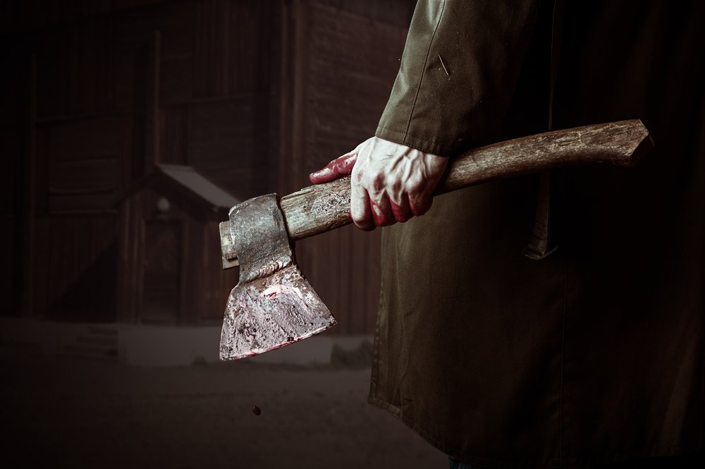 Уроженец Камышина, перерезавший горло пенсионеру и задушивший его супругу, проведет 16 лет в колонии строгого режима