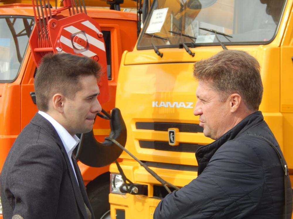 Глава Камышина пообещал, что в следующем году на Камышинском крановом заводе будет работать 400 человек