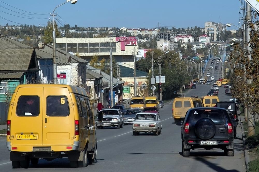 Отдел ГИБДД в Камышине объявил масштабную проверку автобусов, такси и грузовиков