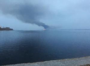 Стало известно, что горело на левом берегу Волги под Николаевском, выбрасывая в сторону  Камышина черные столбы дыма