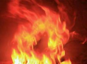 В Камышине на улице Титова случился пожар в однокомнатной квартире