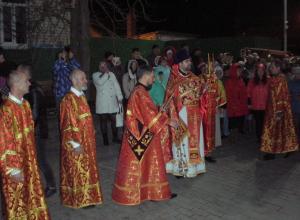 В Никольском кафедральном соборе Камышина проходит праздничная Пасхальная служба с крестным ходом