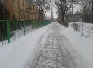 Службы благоустройства Камышина в режиме без выходных расчищают дороги и тротуары