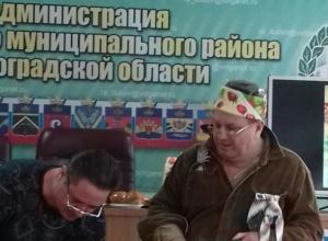 На заседании Дубовской районной думы Волгоградской области готовятся рассмотреть скандал с гулянкой чиновников