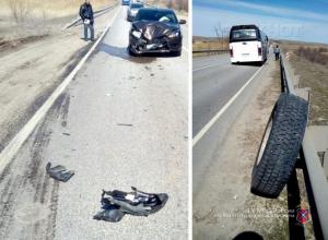 На трассе под Камышином водитель автобуса на скорости потерял колесо, которое совершило столкновение на «встречке»