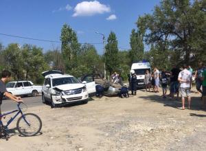 В Камышине сегодня днем произошло ДТП с перевернутым автомобилем в начале улицы Ленина