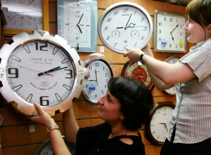 Сбор подписей в поддержку областного референдума о переводе времени в Камышине начался
