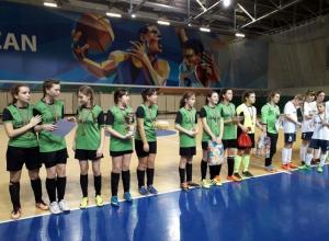 Футболистки из Камышина стали победителями Новогоднего турнира в Казани