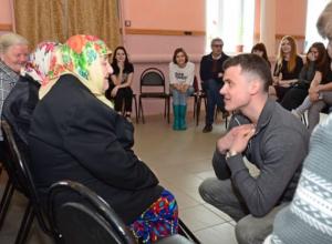Студенты-стажеры из Франции и Германии приехали в село Верхняя Грязнуха Камышинского района