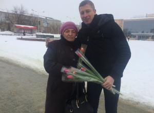 Сотрудники портала «Блокнот Камышина» утверждали весну среди распутицы тюльпанами!