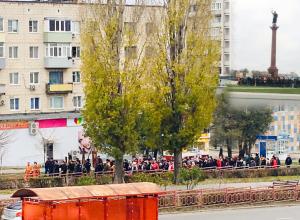 В Камышине по центральным улицам города раздавались звуки церковных колоколов