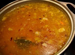 Бабушка опрокинула на себя кастрюлю с супом и умерла