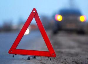 Под Камышином в столкновении с КАМАЗом пострадал водитель легковушки