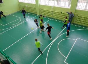 Воспитанники ВК города Камышина соревновались в футболе