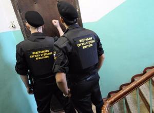Жительница Камышина вела себя неадекватно и угрожала судебным приставам