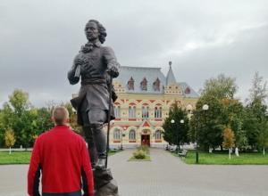 В качестве поощрения воспитанник Камышинской ВК гулял по городу