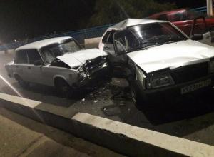 В Камышине на мосту столкнулись два ВАЗа: двое пострадавших в больнице