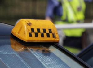 В Камышине таксист избил пассажира за грубое поведение