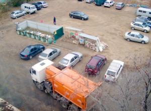 В Камышине мусоровозы проезжают мимо, превращая в свалку 5 микрорайон