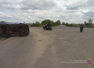 Под Камышином в «УАЗ»-фургон «влепился» «ВАЗ», пострадашего прооперировали в ЦГБ Камышина