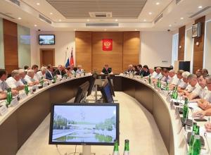 Губернатор Андрей Бочаров «побеспокоил» глав муниципалитетов в выходной из-за чрезвычайной жары