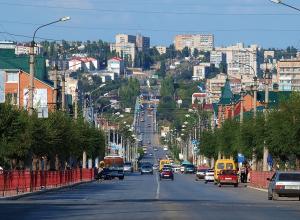 Улицу Пролетарскую в Камышине, по которой будет двигаться Арбузный парад в День города, начинают ремонтировать с этой недели