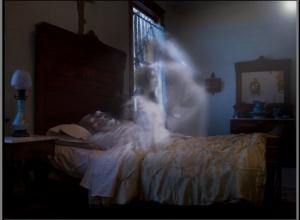 В соседнем с Камышинским Ольховском районе привидение пришло ночью к дочери усопшего и устроилось спать у нее в ногах