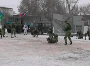 Видео показательных выступлений камышинских десантников в Ряжске под Рязанью набирает просмотры в сети