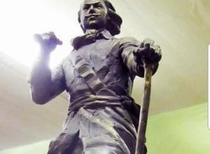 На наступающей неделе в Камышин прибудет для установки памятник Петру Первому от волжского скульптора Сергея Щербакова