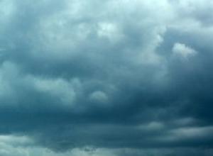 ГУ МЧС по Волгоградской области предупредило о молниях, ливнях и граде в ближайшие часы, в Камышине ждут еще одну грозу