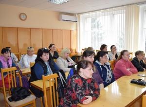 Глава администрации Камышина Станислав Зинченко встретился с родителями детей-инвадидов