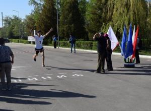 В Камышине в городской эстафете в честь Дня Победы первые места завоевали школа №7 и политехнический колледж
