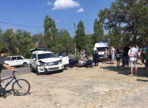 После вчерашнего ДТП на улице Ленина пассажирка отечественной легковушки была доставлена в больницу