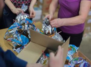 Уполномоченный МФЦ собирает подарки для детей, находящихся в доме- интернате Камышина и других городов