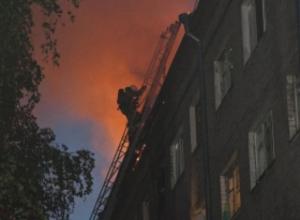 В Камышине в пожаре пострадал мужчина, 30 человек эвакуировано